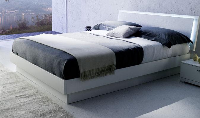Forum colore camera da letto moderna for Camere da letto bianche